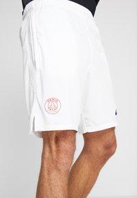 Nike Performance - PARIS ST. GERMAIN DRY SHORT - Pantalón corto de deporte - white/pure platinum/midnight navy - 4