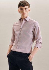Seidensticker - BUSINESS - Formal shirt - rot - 4