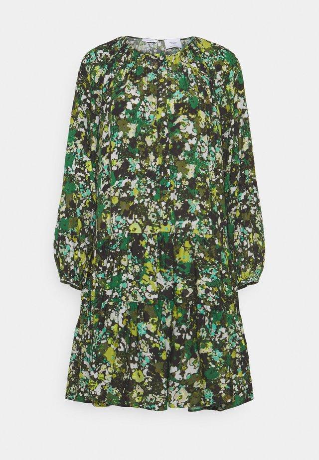 DRESS CASCADES - Korte jurk - green