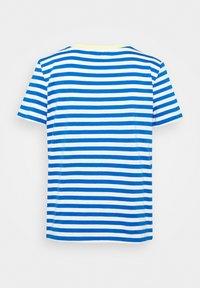 TOM TAILOR DENIM - RELAXED STRIPE TEE - Print T-shirt - blue/white - 5