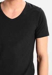 Jack & Jones - BASIC V-NECK  - Basic T-shirt - black - 3
