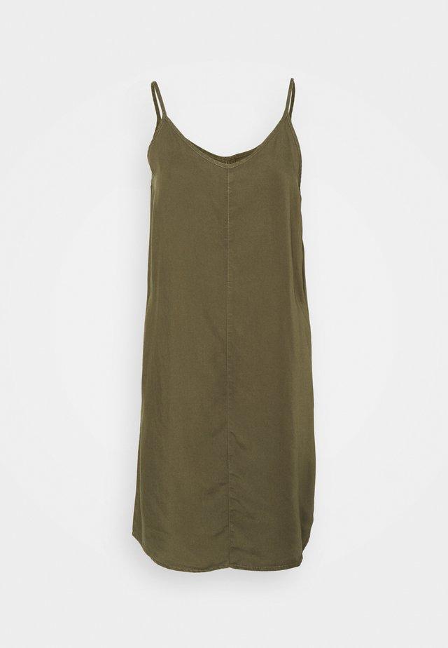 NMMIRA STRAP SHORT ENDI DRESS - Robe d'été - kalamata