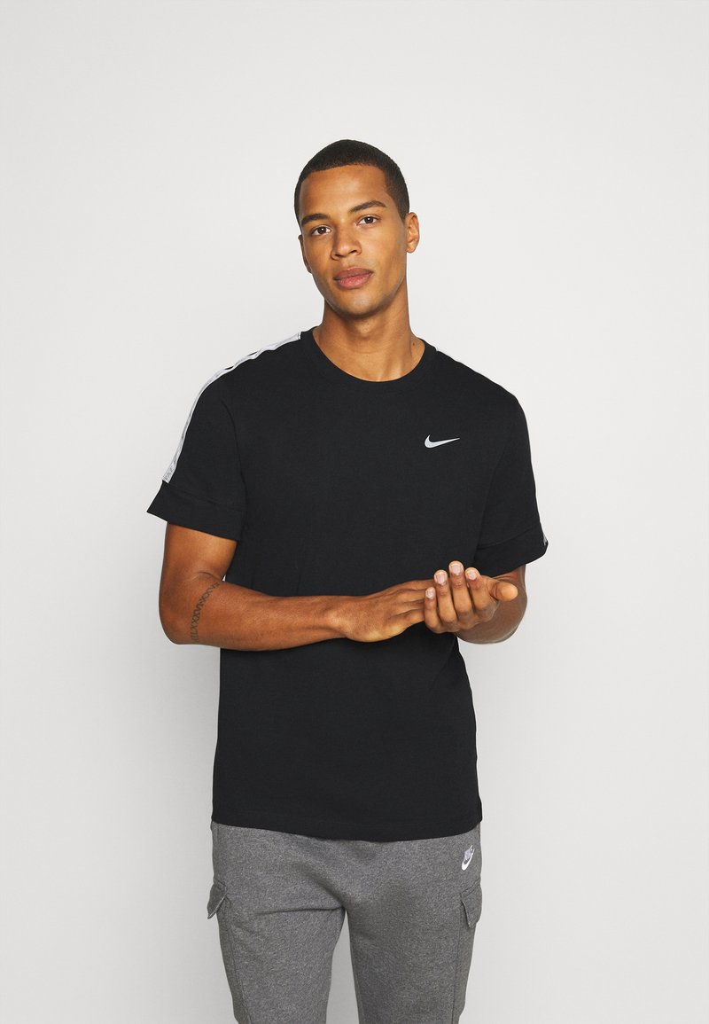 Nike Sportswear - REPEAT TEE  - T-shirt med print - black