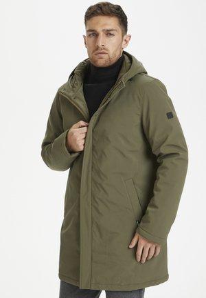 MADESTON - Płaszcz zimowy - ivy green