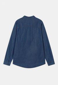 Benetton - EUROPE BOY - Shirt - blue denim - 1