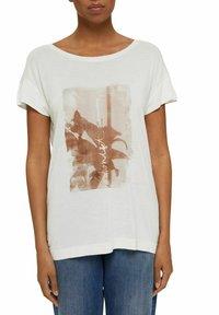 Esprit Collection - MIT PRINT AUS LENZING™ ECOVERO™ - Print T-shirt - off white - 4