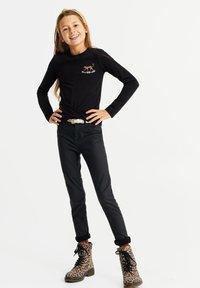 WE Fashion - MET OVERSLAGDETAIL - Camiseta de manga larga - black - 0