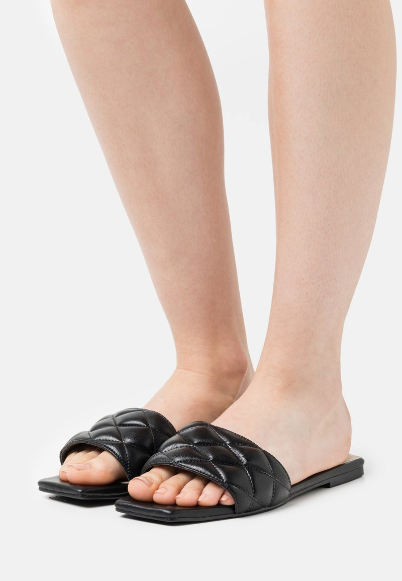 Nly by Nelly - PADDED SLIP IN SQUARE FLAT - Mules - black