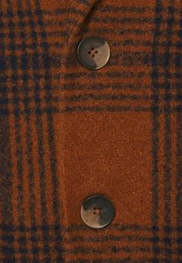 Another Influence - JACE CHECK OVERCOAT - Classic coat - tan - 3