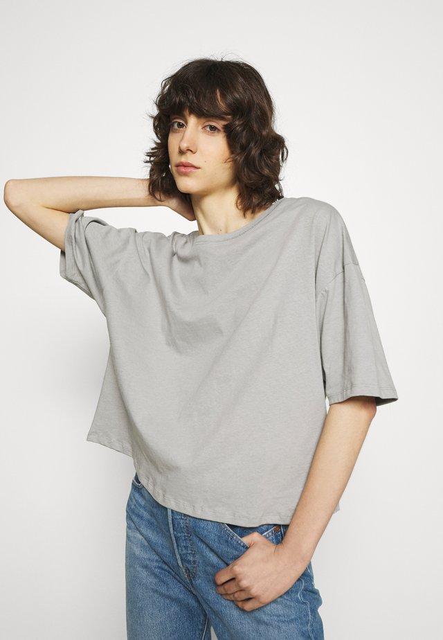 CYLBAY - Jednoduché triko - craie