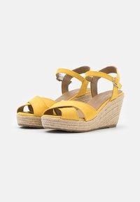 TOM TAILOR - Sandály na vysokém podpatku - yellow - 2