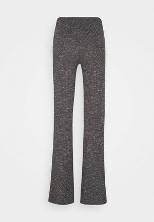 VMKAMMA FLARED PANT - Bukse - medium grey melange