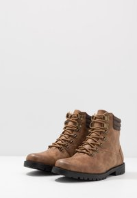 New Look - MIKE HIKER BOOT - Lace-up ankle boots - tan - 2