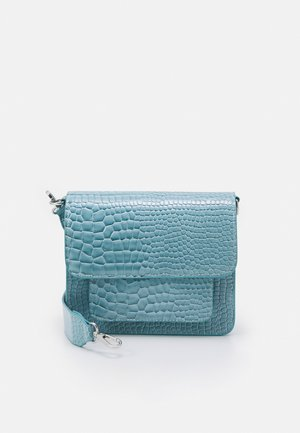 CAYMAN POCKET - Olkalaukku - baby blue
