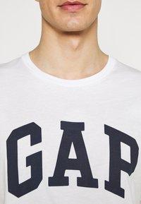 GAP - BASIC ARCH 2 PACK - Print T-shirt - blue/white - 5