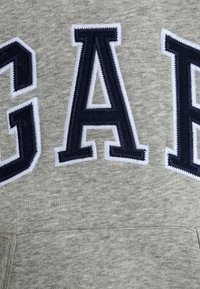 GAP - BOYS ACTIVE ARCH  - Jersey con capucha - light heather grey - 2