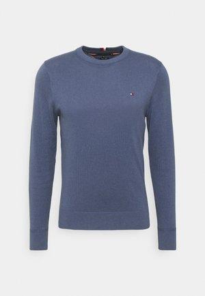 PIMA CREW NECK - Sweter - faded indigo
