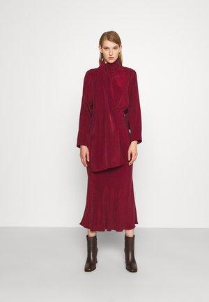 LONG SCARF DRESS - Sukienka koktajlowa - wine