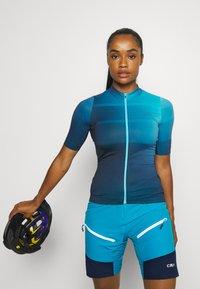CMP - WOMAN FREE BIKE BERMUDA WITH INNER UNDERWEAR - Krótkie spodenki sportowe - ibiza - 3