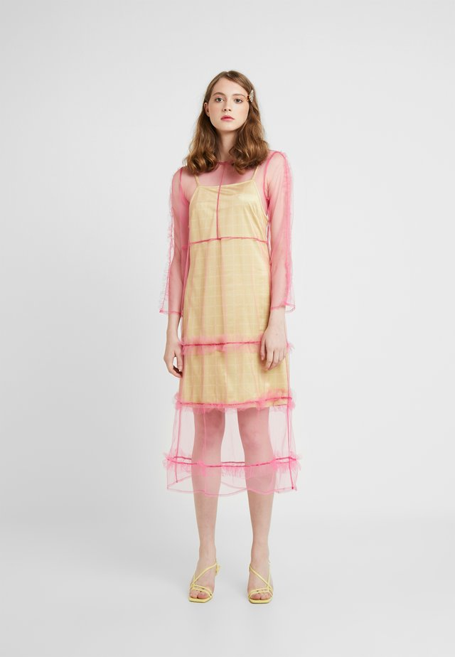 OTTAVIA DRESS - Vestido informal - pink