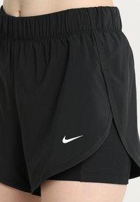 Nike Performance - SHORT 2-IN-1 - Korte sportsbukser - black/white - 4
