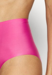 MAGIC Bodyfashion - DREAM INVISIBLES 2 PACK - Onderbroeken - fuchsia - 4