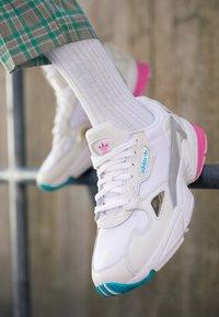 adidas Originals - FALCON - Trainers - footwear white/solar pink/silver metallic - 4