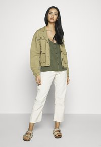 Noisy May - NMMAISIE ENDI STRAP  - Top - olive night - 1