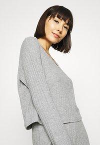 Anna Field - CROPPED RIB PJ SET - Pyjama set - mottled light grey - 3