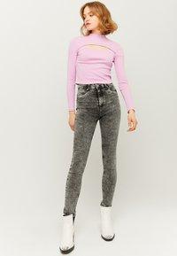 TALLY WEiJL - Jeans Skinny - grey denim - 1