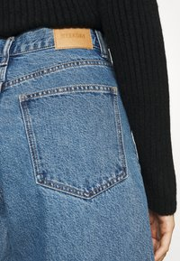 Weekday - RAIL  - Relaxed fit jeans - wash 90's blue - 5
