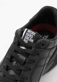 Tamaris Fashletics - LACE-UP - Baskets basses - black uni - 2