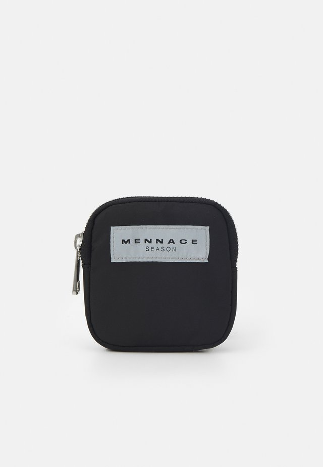 ON THE RUN BELT BAG UNISEX - Ledvinka - black