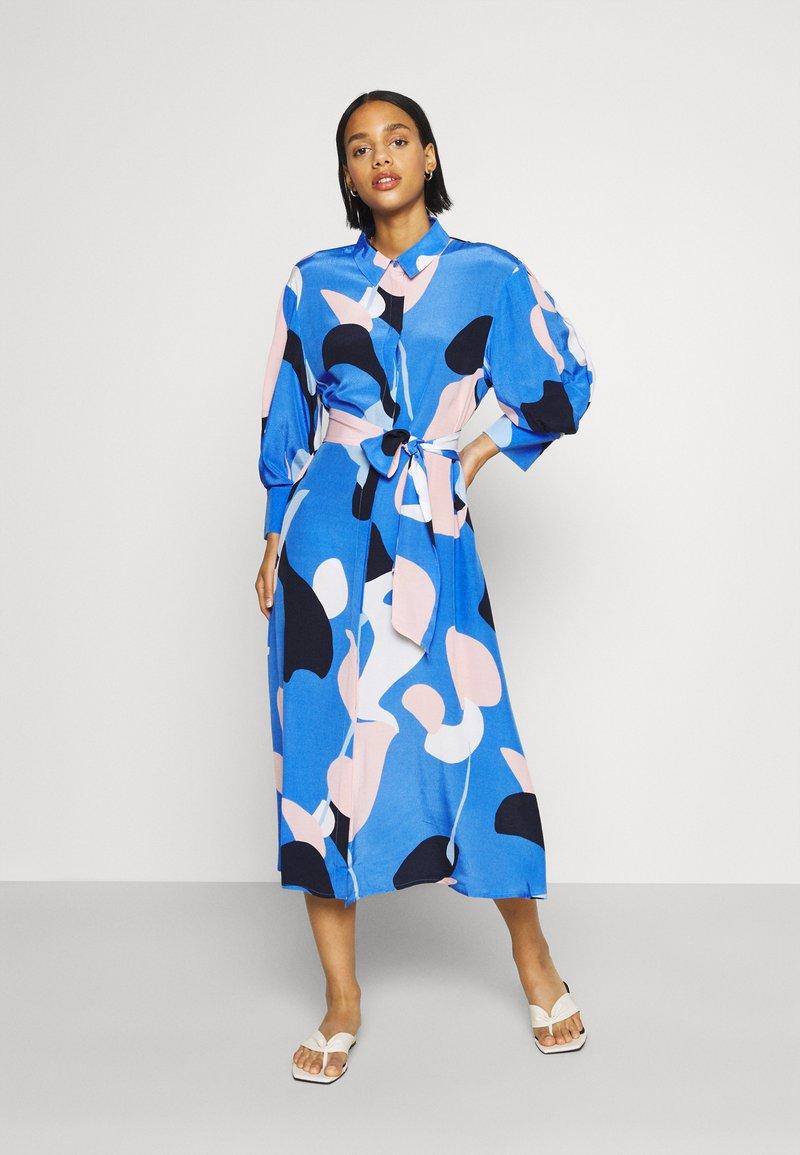 Nümph - NUCORA DRESS - Skjortekjole - ultramarine