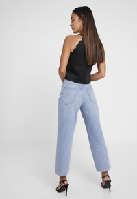 Selected Femme Petite - SLFKATE STRAIGHT MID - Relaxed fit jeans - medium blue denim - 2