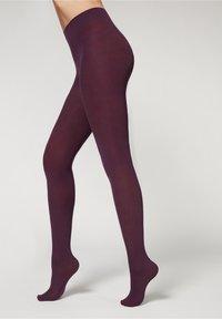 violett purple