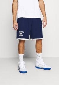 Mitchell & Ness - NORTH CAROLINA SHORT - Sports shorts - navy - 0