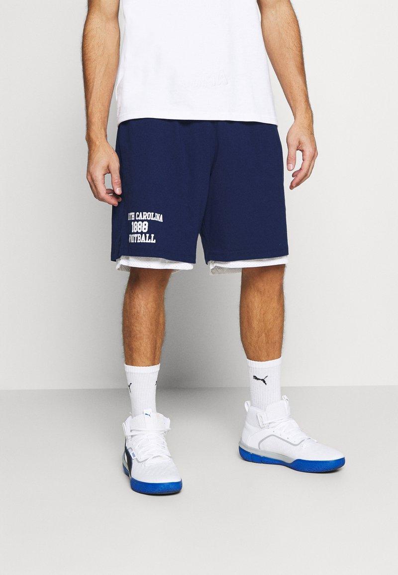 Mitchell & Ness - NORTH CAROLINA SHORT - Sports shorts - navy