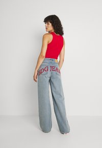 BDG Urban Outfitters - EMBROIDERED PUDDLE  - Relaxed fit jeans - summer vintage - 2