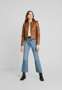 Vero Moda - VMSHEENA SHORT JACKET - Faux leather jacket - cognac - 1