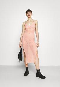 The Ragged Priest - BLEACHER - Strikket kjole - pink - 1