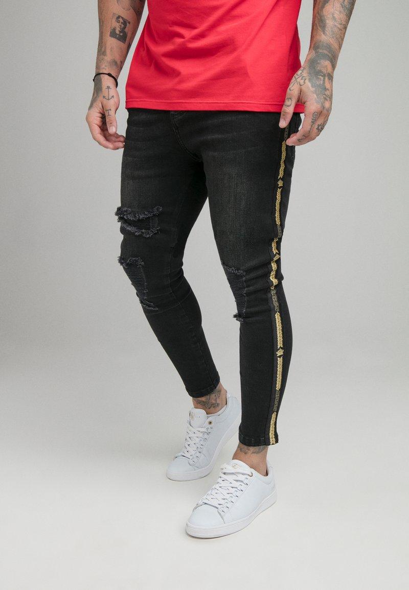 SIKSILK - CROWN DISTRESSED FLIGHT - Slim fit jeans - black