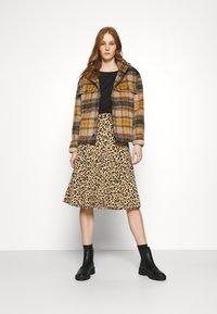 Vila - VILITIN BUTTON SKIRT - A-line skirt - ginger root - 1