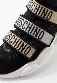 MOSCHINO - Sneakers basse - black - 5