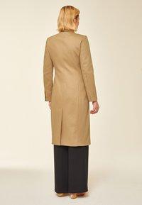 IVY & OAK - Abrigo clásico - beige - 2