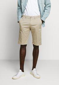 DRYKORN - KRINK - Shorts - beige - 0
