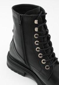 Zign - Kotníkové boty na platformě - black - 2