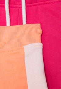 Blue Seven - GIRLS 2 PACK - Shorts - flamingo/pink - 3