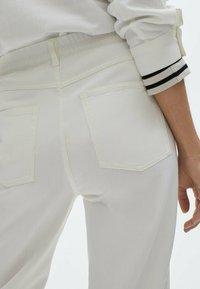 Massimo Dutti - Straight leg jeans - white - 2