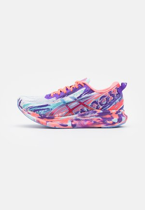 NOOSA TRI 13 - Chaussures de running compétition - white/periwinkle blue